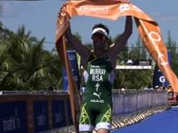 Ending his ITU season on a high note, Richard Murray (RSA) gets to finish his season with a gold medal after securing a victory at the 2015 Cozumel ITU World Cup.