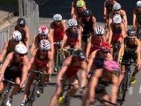 Algunos de los mayores triunfos de la carrera Helen Jenkins han salido de la parte posterior de escapadas en bicicleta, y en la Gold Coast de Australia, su extraña habilidad de saber cuándo empujar la ayudó a volver a la cima del podio de la Serie Mundial de Triatlón por primera vez desde 2012 .