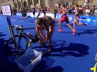 Sarah True defended her title as the American dominated the run leg to bring home a back-to-back title in the 2015 ITU World Triathlon Stockholm event. Reclaiming the crown after winning her first WTS title in Stockholm last year, True picked up her first WTS victory of the season with a time of 2:01:05.
