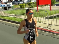 It might have taken her six years to get back on top of a World Triathlon Series podium but Andrea Hewitt (NZL) now has two from two to start the year after she claimed the 2017 Jewel World Triathlon Gold Coast title in Australia on Saturday.While her first victory of the year came from an epic sprint to the finish on the blue carpet in Abu Dhabi just over a month ago, her second victory came through outrunning her competition from the second transition, on the first sprint distance course of the season.