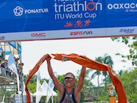 Chrabot comes from behind to take Huatulco title