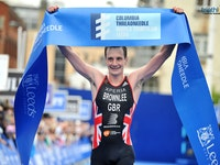 In front of a home crowd and on the streets where he was born and raised, Alistair Brownlee (GBR) scored the first-ever 2016 Columbia Threadneedle World Triathlon Leeds title and his first WTS victory of the season.