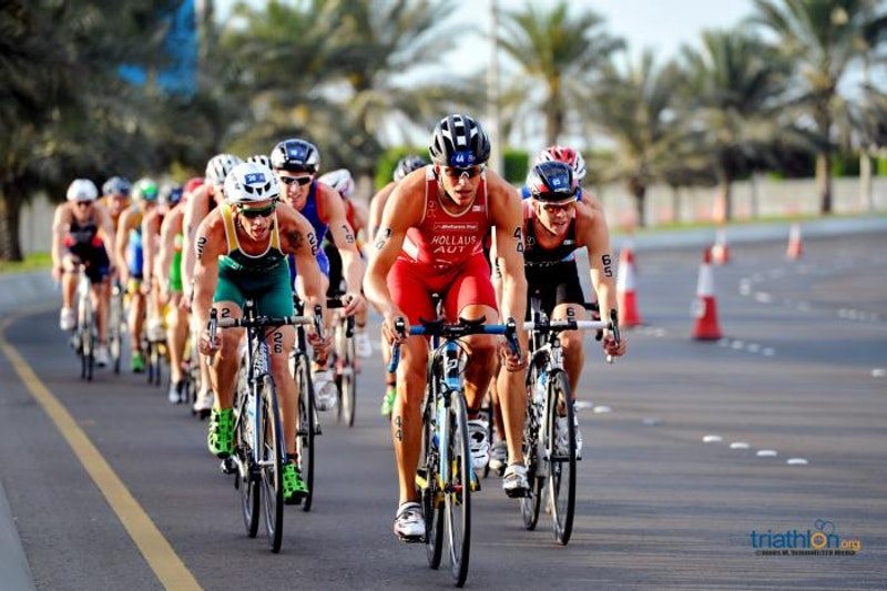 Mario Mola snatches Series opener WTS title | ITU World Triathlon Series